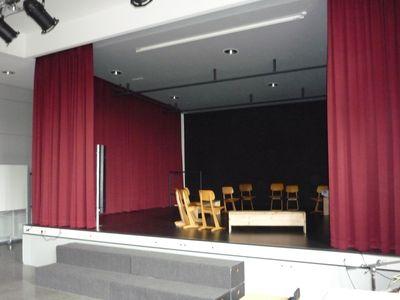 2010-09Schule-Aula-003k